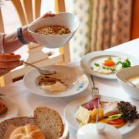 Frühstück in der Café-Lounge im Kurzentrum